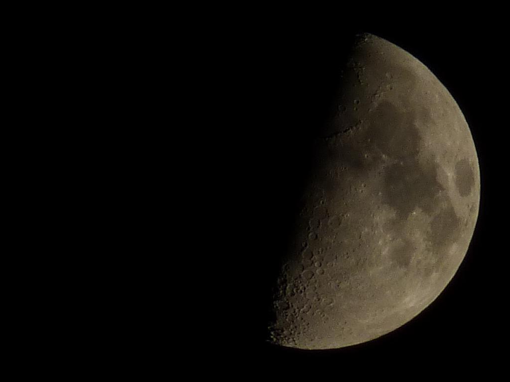 http://h4rl0ck9.free.fr/lune.jpg